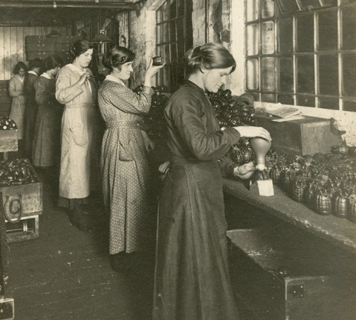 Courtesy of the Library of Birmingham: Mills Munitions Factory, Newtown