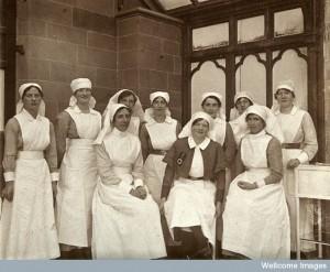 V0030789EBL Mount Stuart Royal Naval Hospital, deputy matron & staff WW1